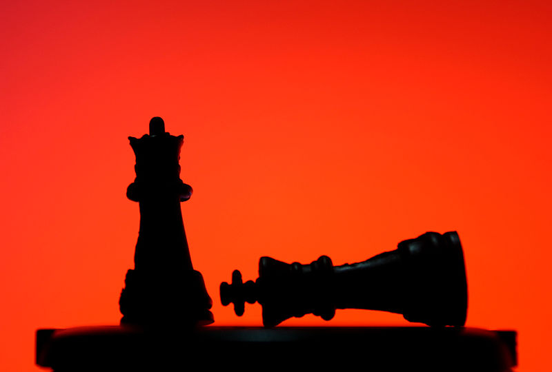 Silhouette_&_Chess