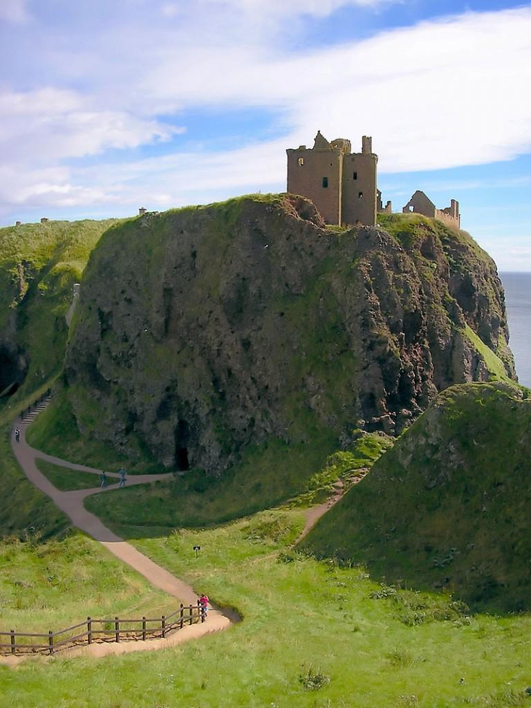 800px-Dunnotar_Castle